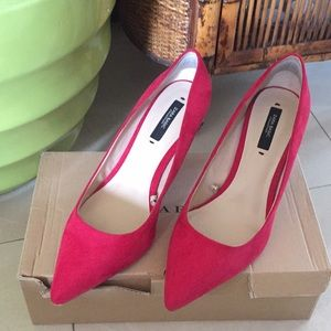 "Zara Red ""Salon Punta"" Pumps 👠"